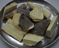 ขันทอง สมุนไพรแห้ง สรรพคุณ สรรพคุณ : ขี้เหล็ก (ใบ) ถ่ายพรรดึก ถ่ายกระษัย ถ่ายพิษไข้ พิษเสมหะ ขับปัสสาวะ แก้บวม บำรุงโลหิต